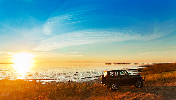 car_sunset_beach