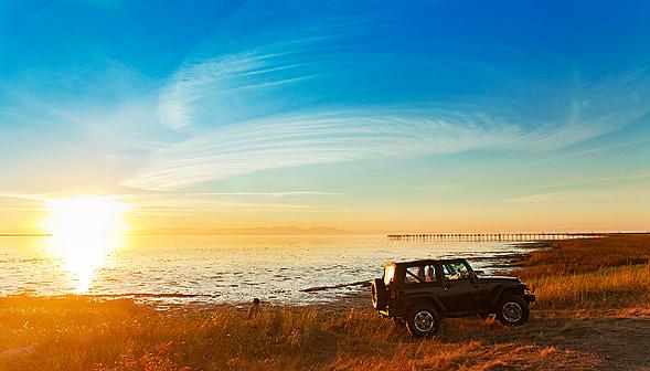 car_sunset_beach