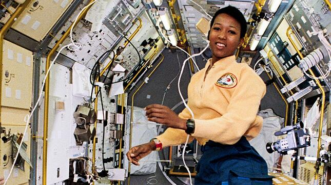 mae_jemison-first-african-american-women-space.jpg