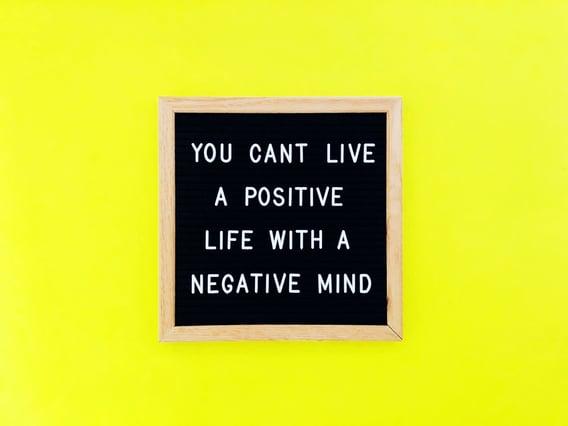 stay-positive-J6WRRTL