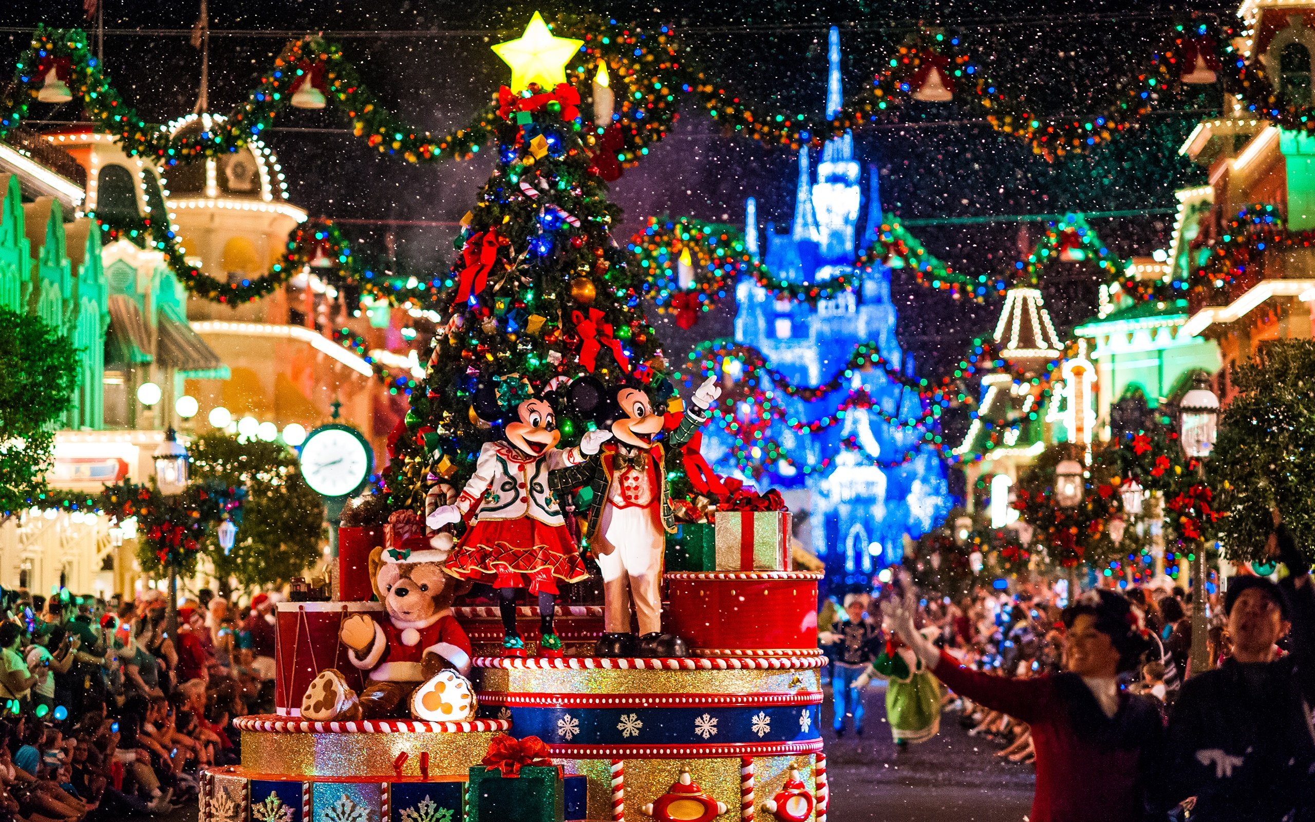 why great credit scores are like disneyland annual passes - Disneyland Christmas Dates