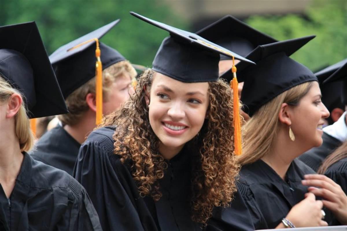 kristina_ellis_graduating_a54f1a065ec8b76a8cd57643585bb776.nbcnews-fp-1200-800.jpg